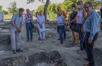 Évszázadok kincseit rejti a várpalotai Thury-vár keleti oldala (veol.hu)