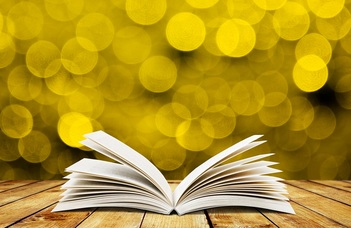 """""""A könyvek könyvekről szólnak"""" - Könyvek párbeszéde a gimnáziumi irodalomórákon"""