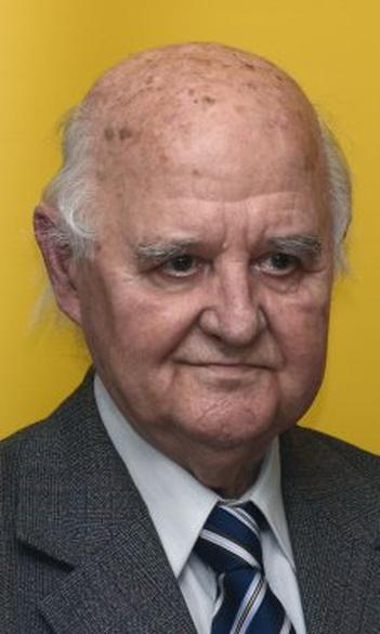 Elhunyt Diószegi István