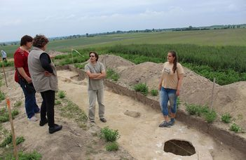 Árpád-kori erődített település nyomait kutatják Soltnál (baon.hu)