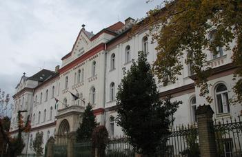 Egykori tanárára emlékezik az Eötvös Collegium.