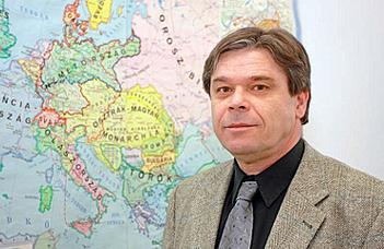 Háromszintű választásokat tartottak vasárnap Szerbiában (InfoRádió)