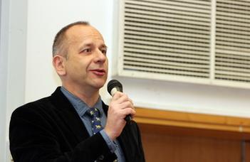 """ELMARAD // Sonkoly Gábor előadása az Atelier Tanszék """"Örökség Esték"""" sorozatában."""