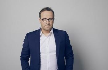 Az ELTE Skandináv Nyelvek és Irodalmak TanszékrelátogatAndri Snær Magnasonizlandi regényíró.