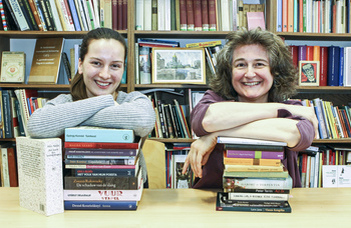 Néderlandisztikai sikerek: interjú Réthelyi Orsolyával és fiatal kutatótársával